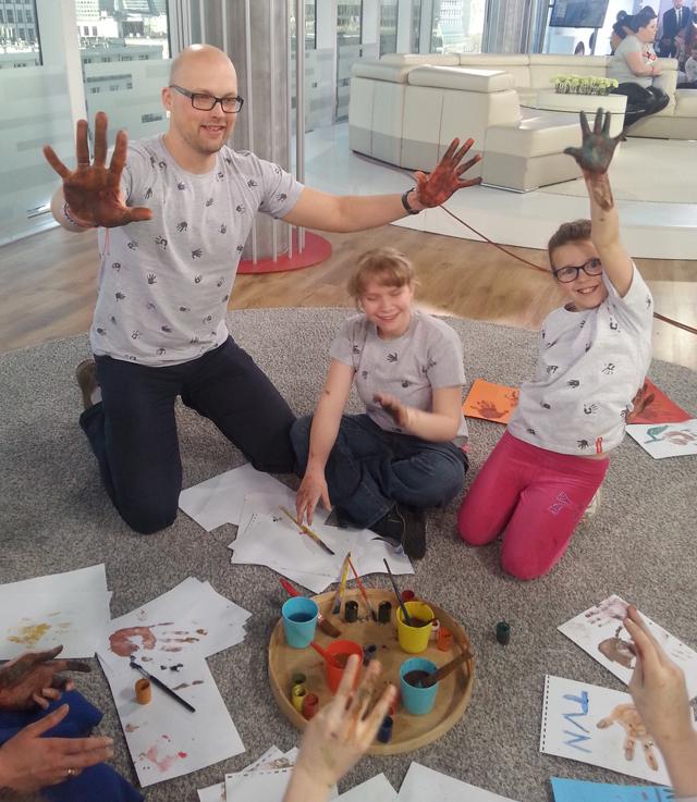 Dzieci ze Szkoły dla Dzieci Niewidomych i Słabowidzących tworzą t-shirty! :)